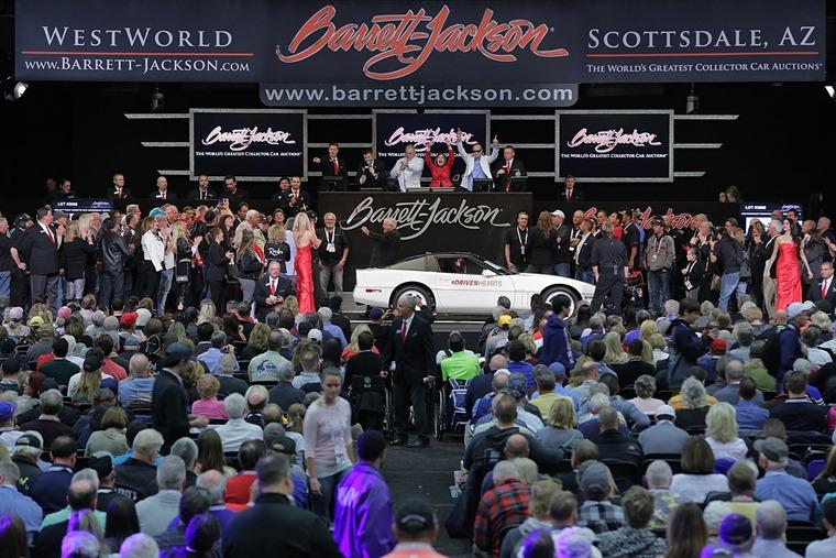 1200px-Scottsdale_2018_-_Lot_3008_-_1988_Chevrolet_Corvette_35th_Anniversary_Edition