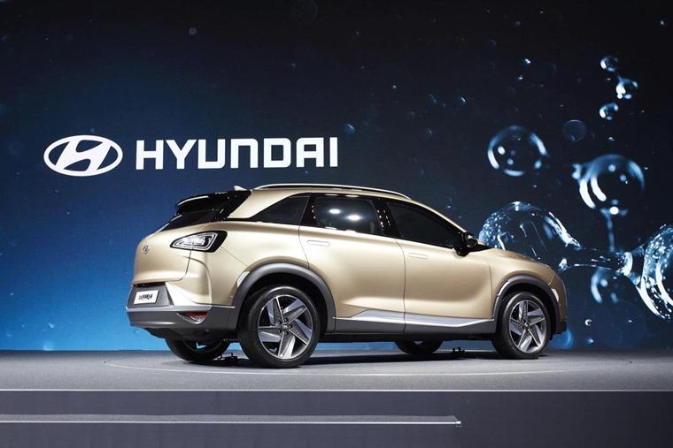 Hyundai Motor's Next-Gen Fuel Cell SUV rear