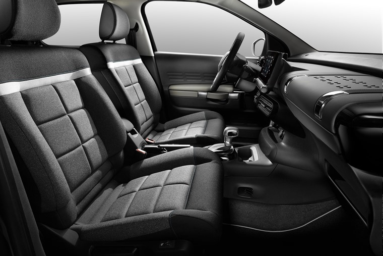 The facelifted model features a very similar interior to the outgoing car, but comfort has improved.