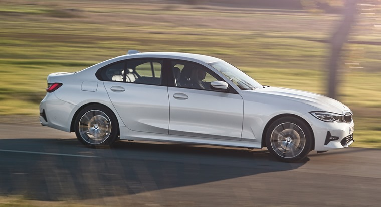 2019 BMW 3 Series side