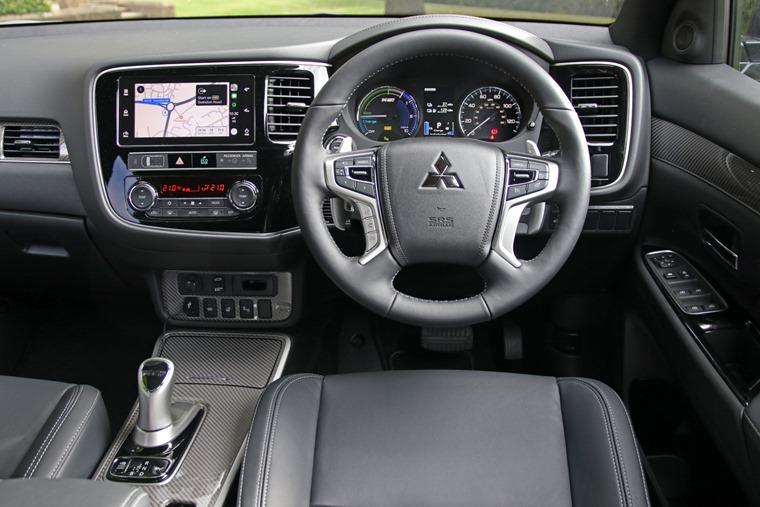 2019 Mitsubishi Outlander PHEV interior