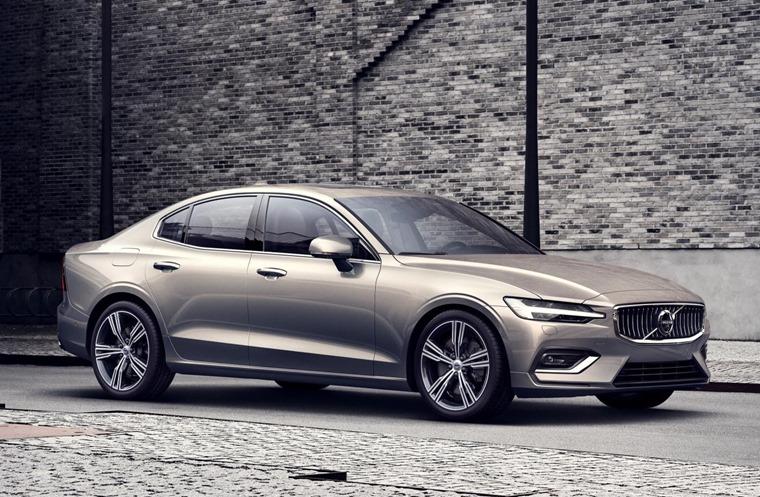Volvo S60 premium saloon revealed