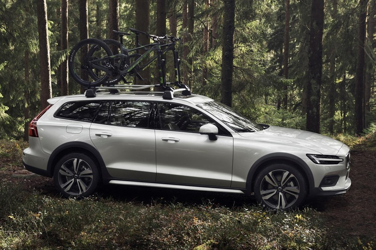 238219_New_Volvo_V60_Cross_Country_exterior