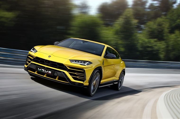 The Lamborghini Urus' four-wheel drive system delivers safe, highly-responsive driving dynamics on every road and surface and in all weather