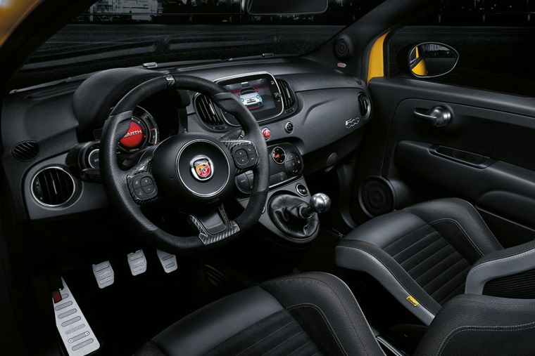 Abarth 595 2018 update interior