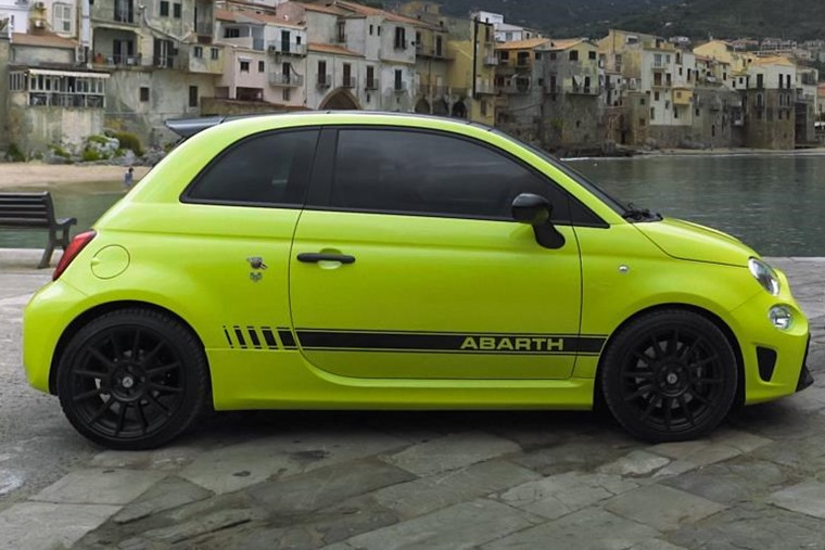 Abarth 595 side