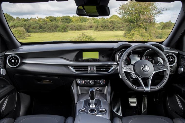 Alfa-Romeo-Stelvio-041