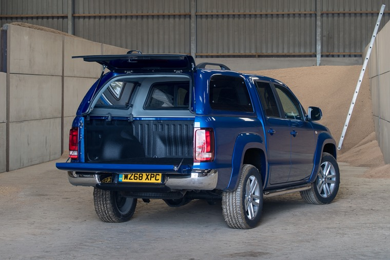 Volkswagen Amarok load space