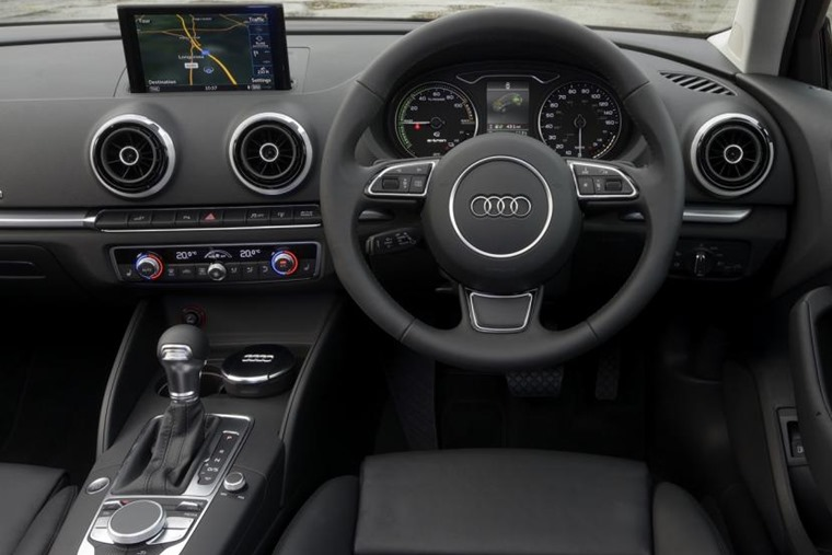 Audi A3 Sportback e-tron dash