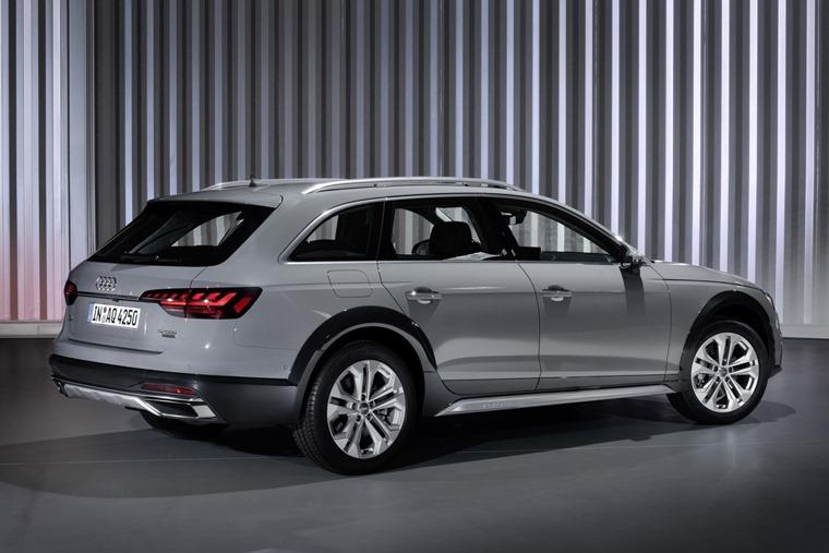 Audi A4 Quattro 2019 rear
