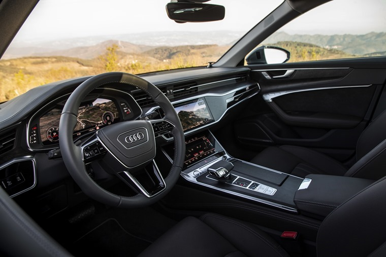 Audi-A6-Saloon-interior-front6