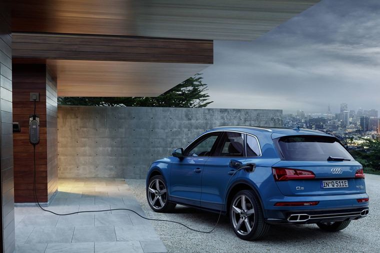 Audi Q5 PHEV charging