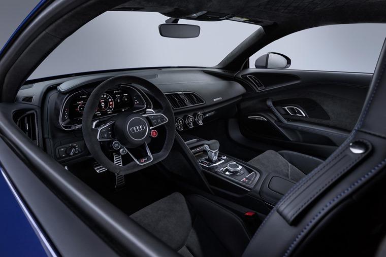 Audi R8 2019 interior