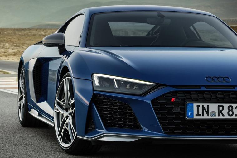 Audi R8 2019 side