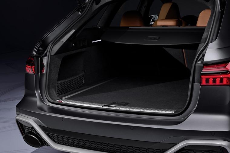Audi RS6 Avant 2019 boot