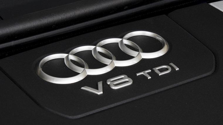 Audi SQ7 2016 Blue Engine