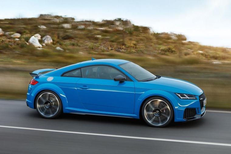 Audi TT RS side