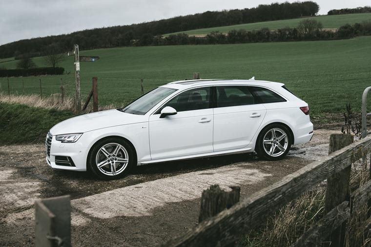 Audi A4 Avant Side