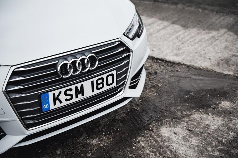 Audi A4 Avant Grille