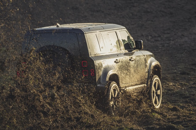 Behind the scenes image of the New Land Rover Defender featured in No Time To Die _03