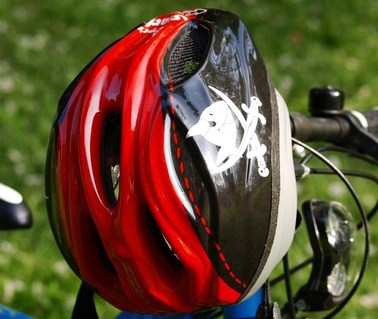 bicycle_helmet_head_protection_helm_wheel_children_helmet_k_pt_n_sharky-1338989