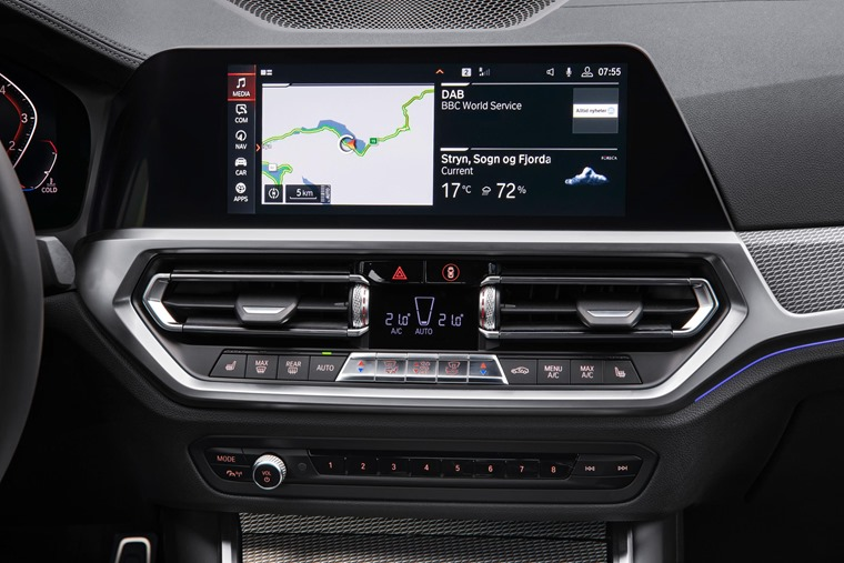 BMW 3 Series 2019 infotainment