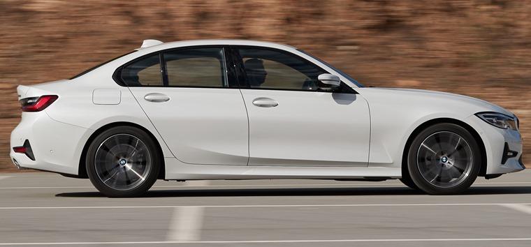 BMW 3 Series 2019 side