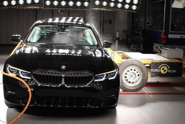 BMW 3 Series crash