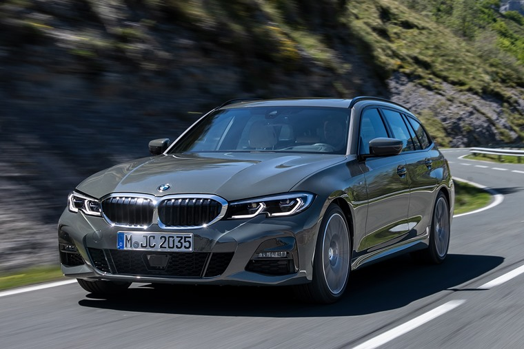 BMW 3 Series Touring 2019 front