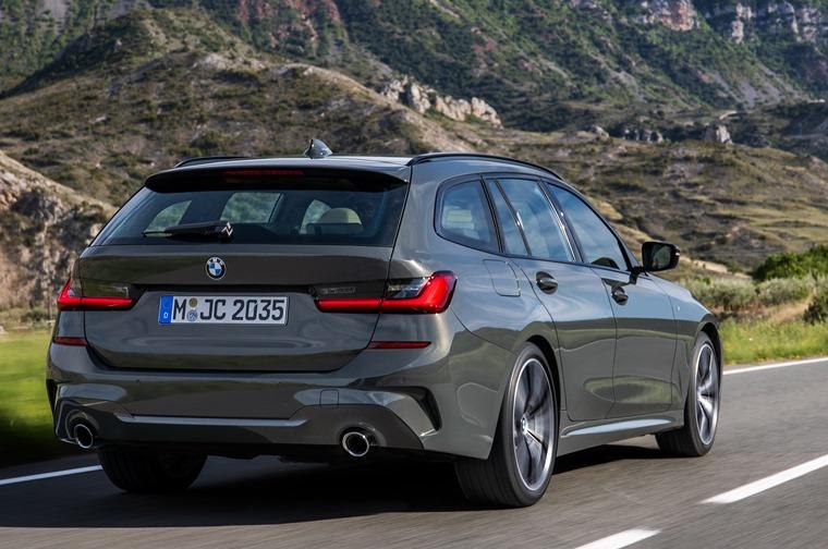 BMW 3 Series Touring 2019 rear