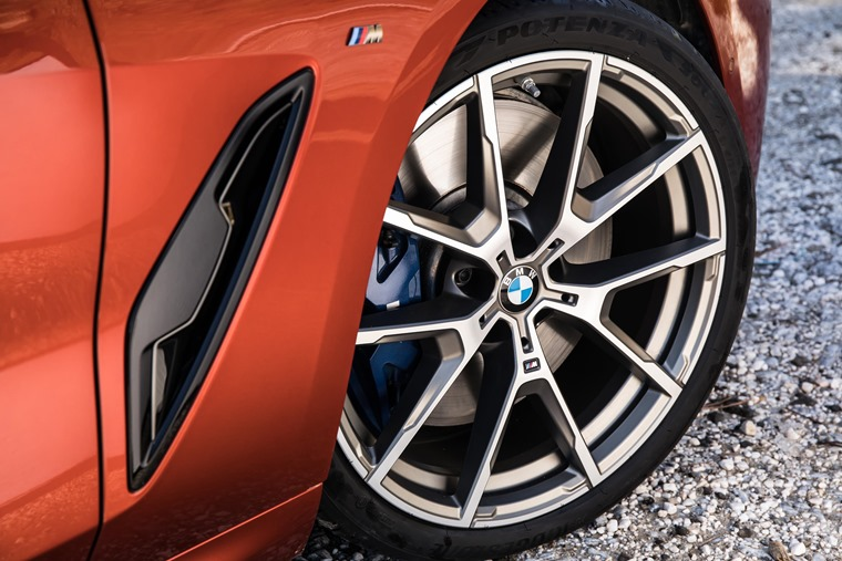 BMW 8 Series alloy detail