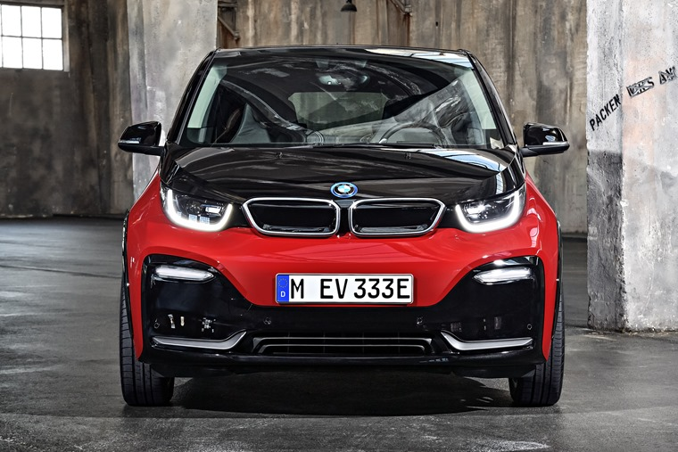 The BMW i3 range extender is one of the few hybrids that current meets the government's criteria of being able to travel for at least 50 miles on electric power alone.