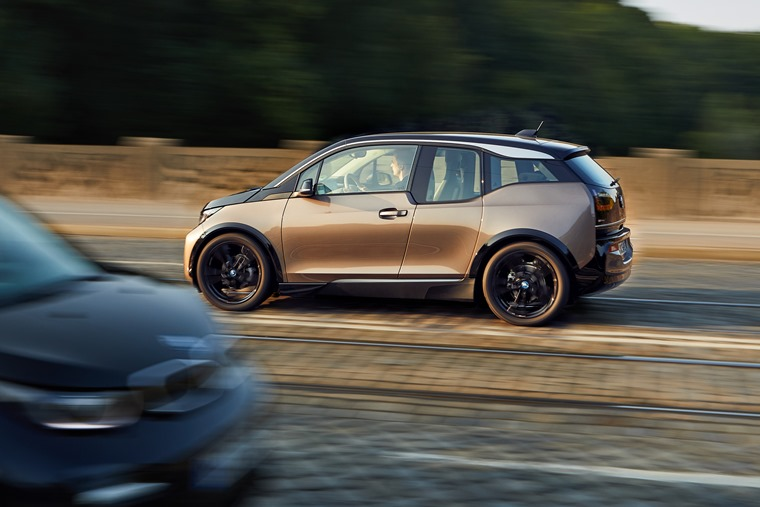 BMW i3 update side