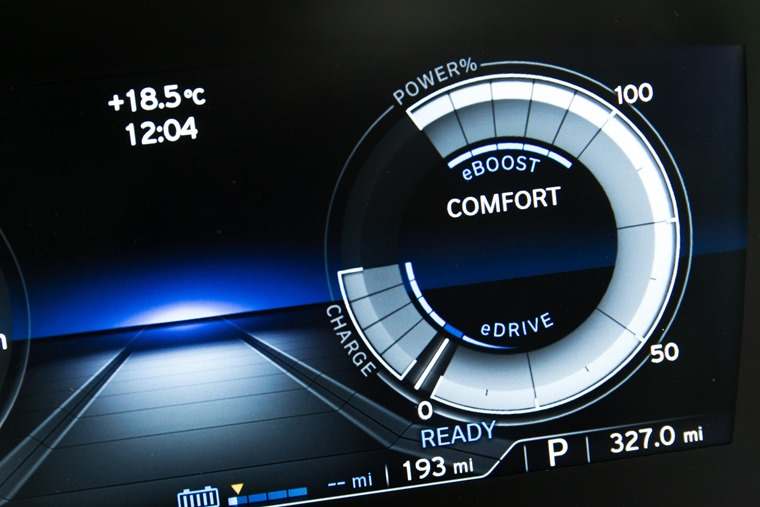 BMW i8 display