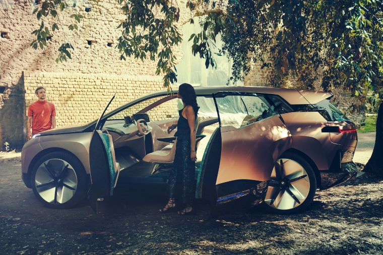 BMW Vision iNext doors