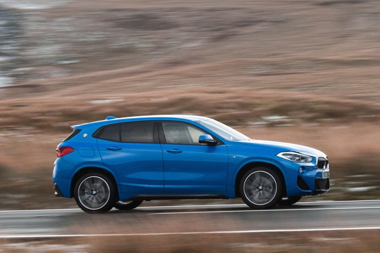 BMW X2 side driving