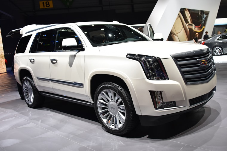 The most popular lease cars in the US are luxurious saloons and SUVs