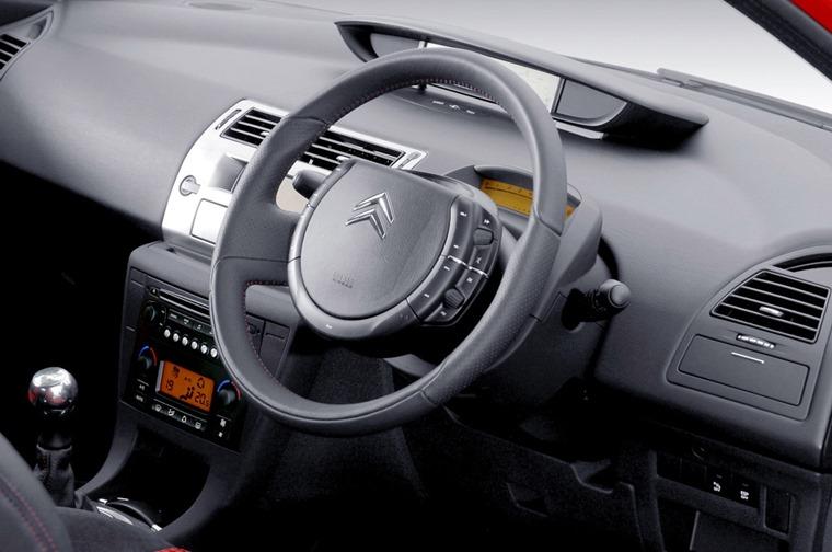 Citroen C4 fixed-centre steering wheel