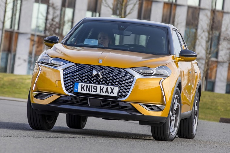 DS 3 Crossback 2019 driving