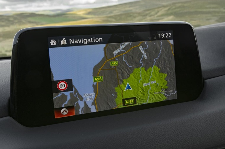 A new 7in infotainment system features.