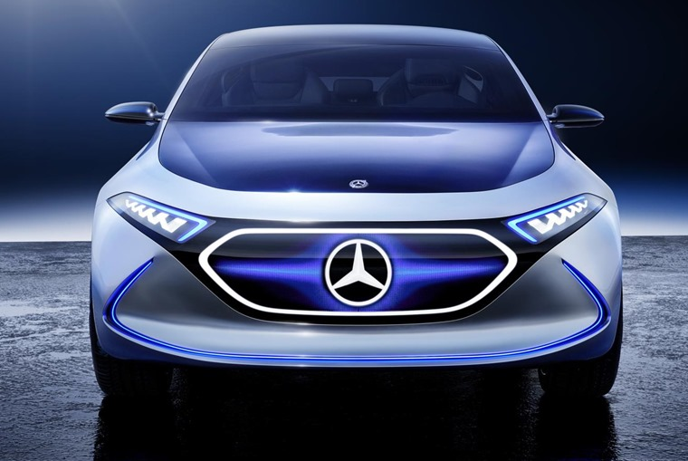 A futuristic grille uses fibre-optic lighting and changes colour depending on the driving mode.