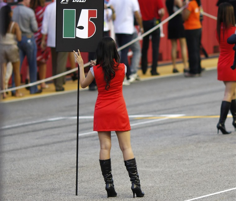 F1 bosses have already called time on grid girls (flickr user wee sen goh)