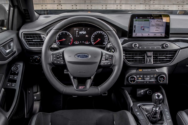 Ford Focus ST 2019 interior
