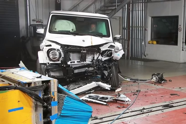 Mercedes-Benz G-Class crash test