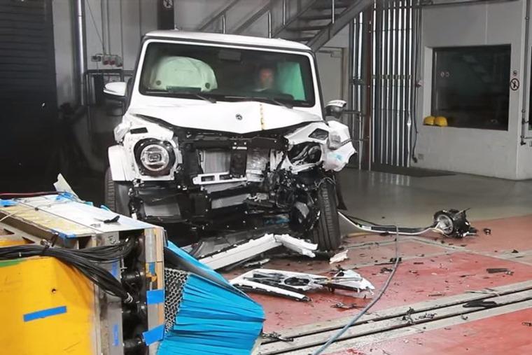 Mercedes-Benz G-Class crash test