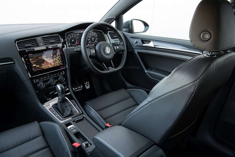 Golf GTE interior