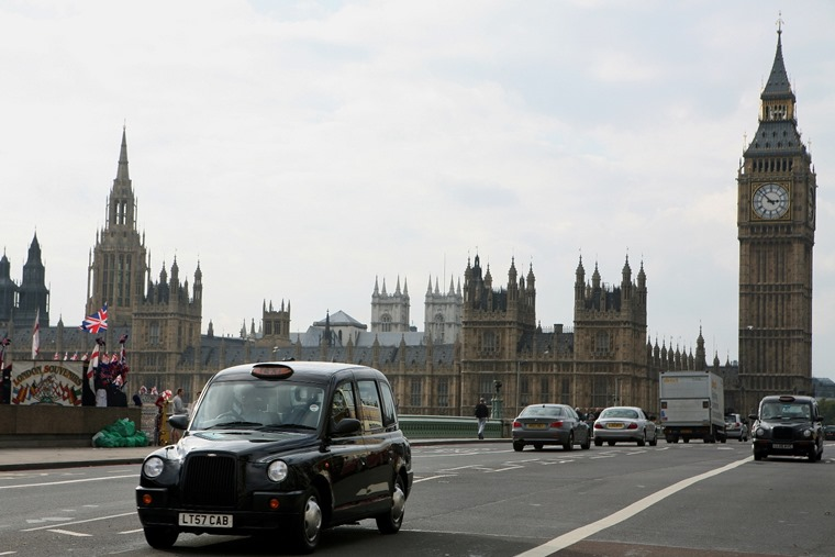 More than half of the government's ministerial car fleet is still diesel, report finds.