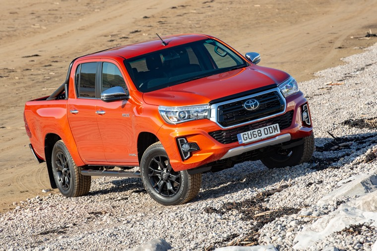 Hilux-Invincible-X-Exterior-Static-2018-6