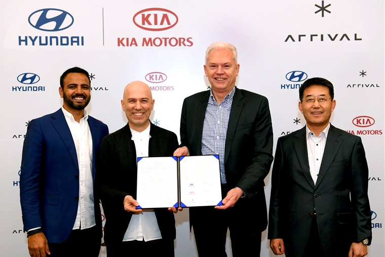 Hyundai and Kia Make Strategic Investment in Arrival_signing ceremony 2