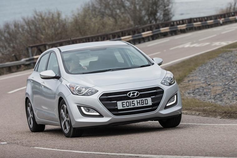 Review: Hyundai i30 2015   Leasing com